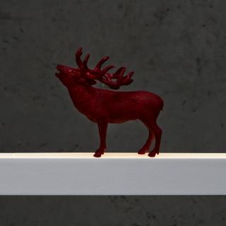 Hirsch in rot