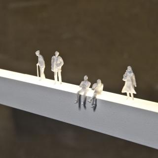 Menschengruppe in weiß